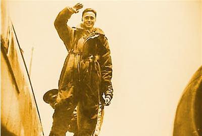 纸弹轰炸日本第一人:撒百万传单破敌胆