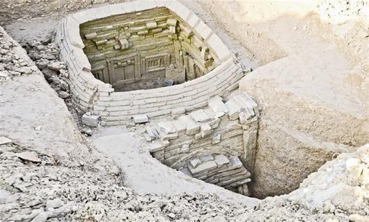 樊城发现宋代古墓 墓壁雕砖精美