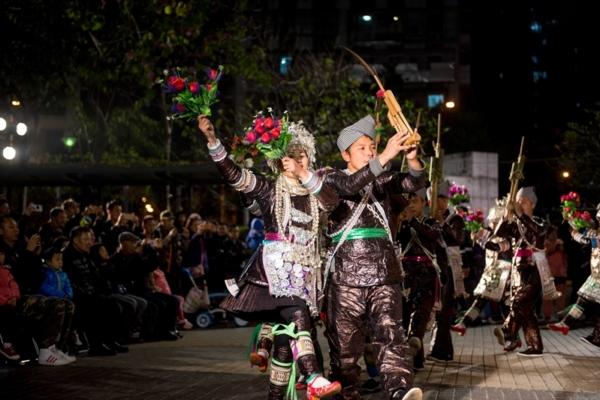 万博手机从江苗族芦笙舞在澳门掀起最炫民族风